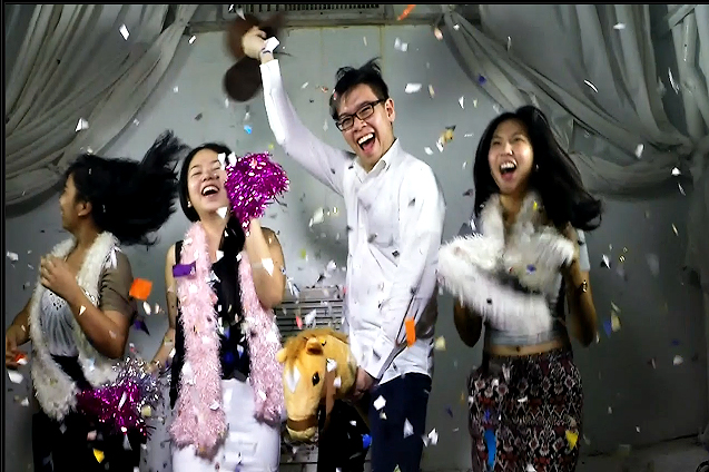 Ateneo Rocks a Party in a Slow Motion Videobooth