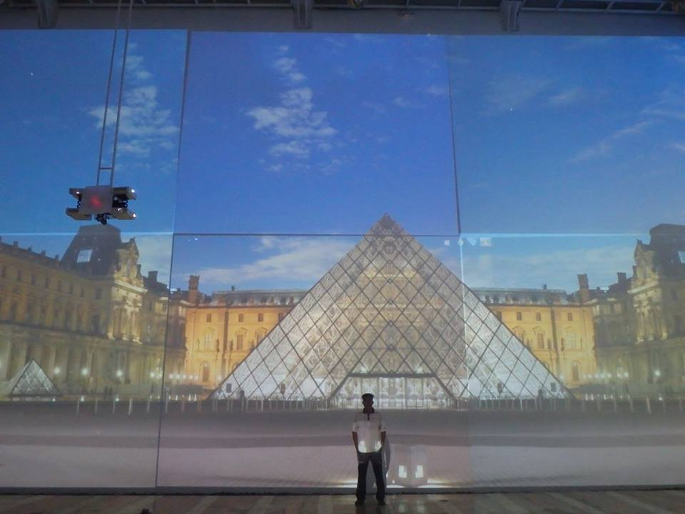 France Theme displayed by projector
